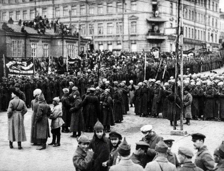 人民革命軍のパレード、1922年...